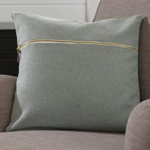 Signature Homestyle Zipper Pillow Cover Light Grey
